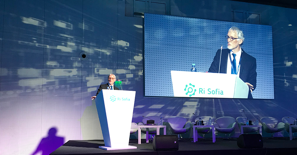 EMBL Director-General Iain Mattaj speaking at the Research Infrastructures conference in Sofia on 23 March
