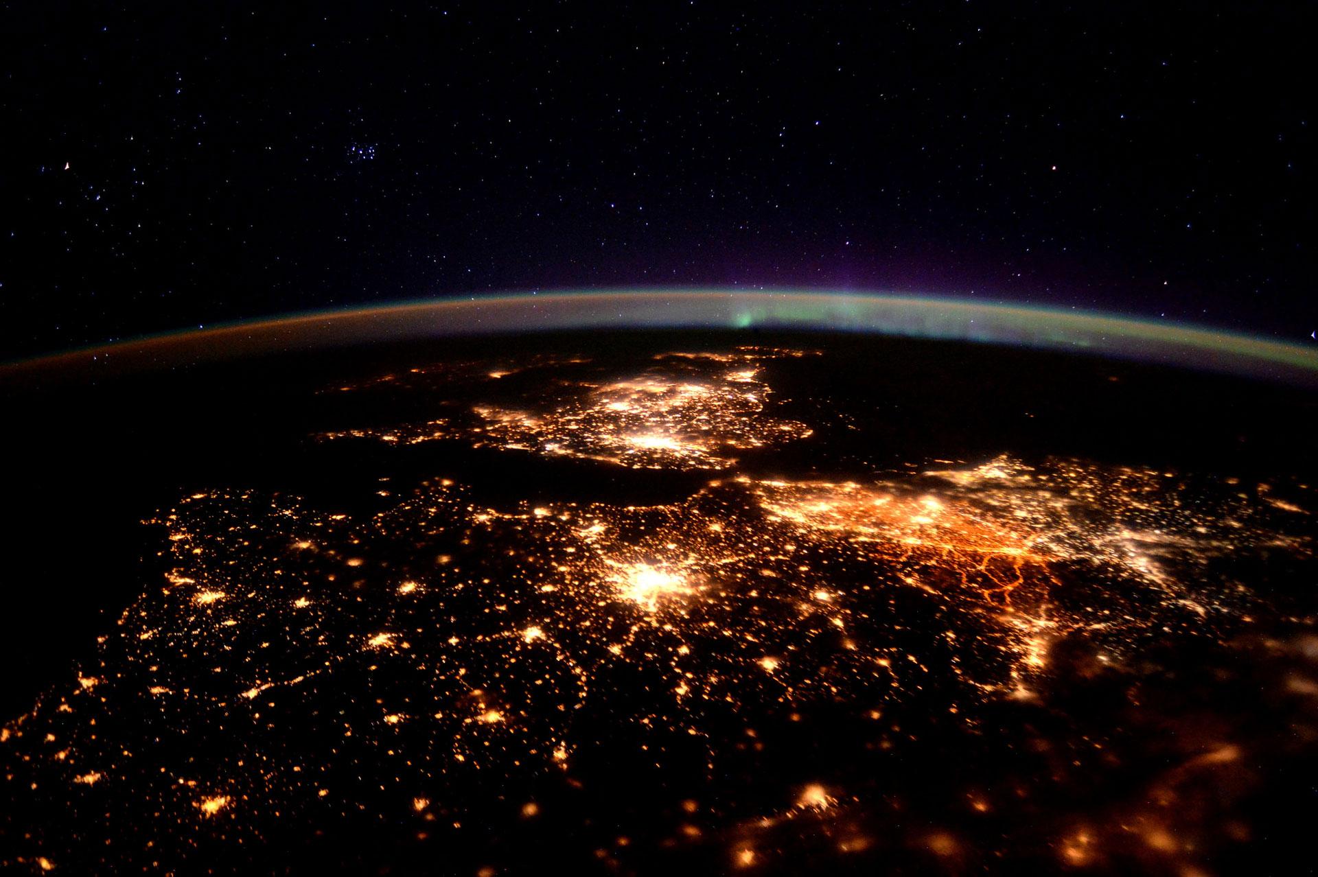 Waving at Europe (Credit: ESA/NASA)